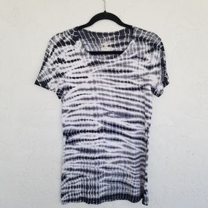 TIME AND TRU TIE DYE T-SHIRT BLACK AND WHITE SZ M